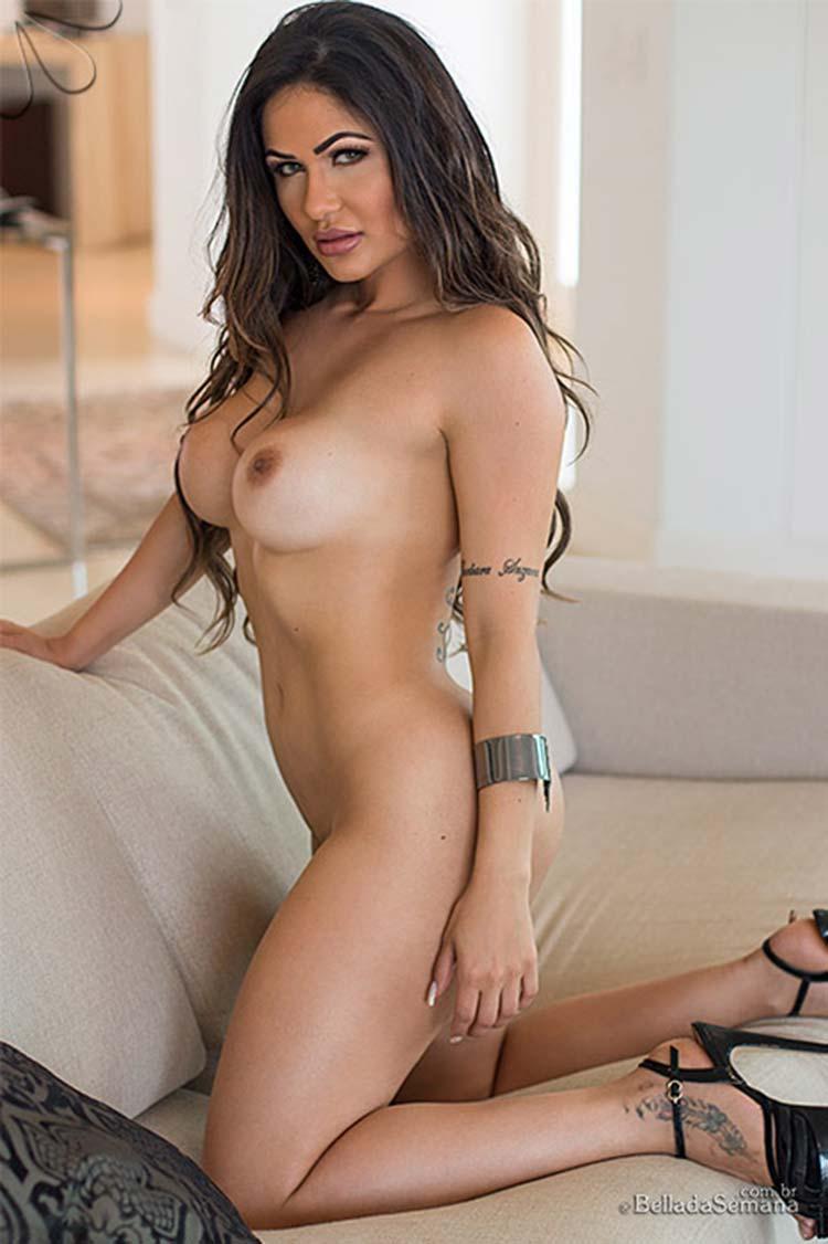 Kariny Rodrigues nua pelada 013