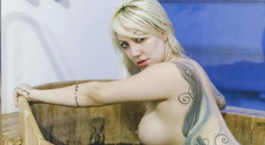 Jessica Constantino pelada | Terceiro ensaio de cinco