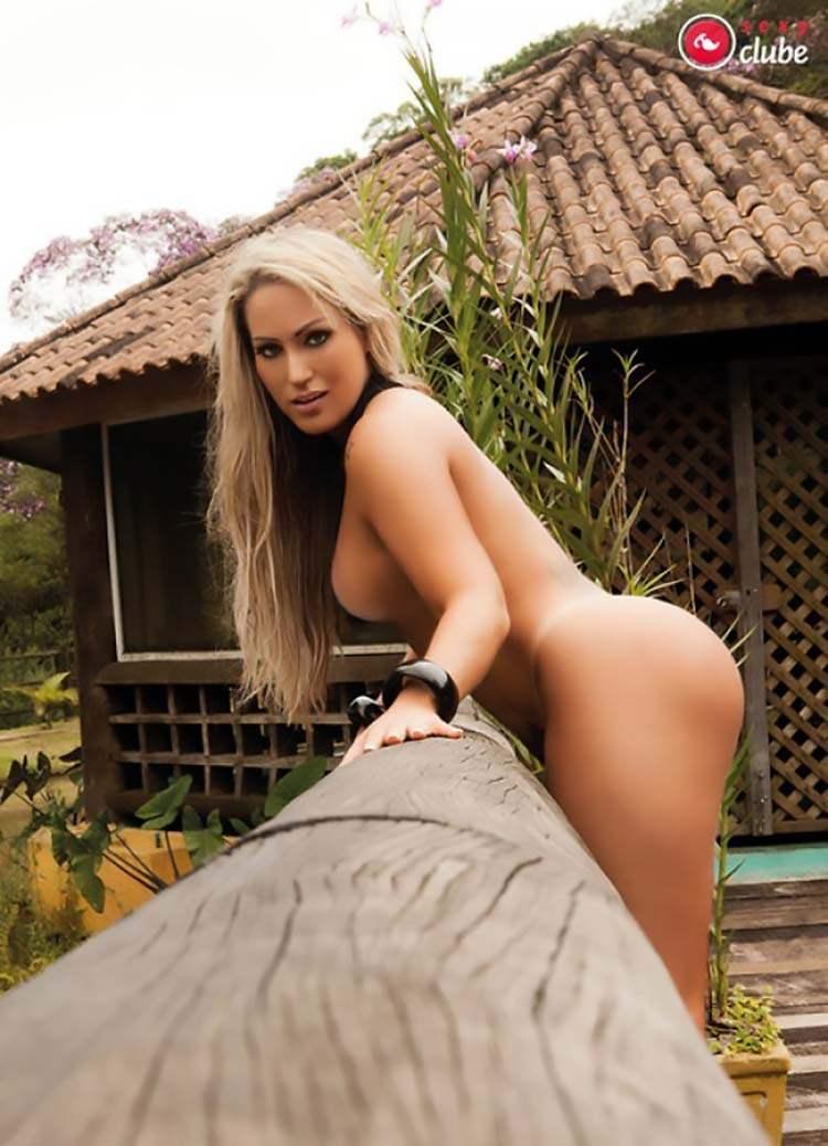 Mulheres nuas rabudas brasileiras 013