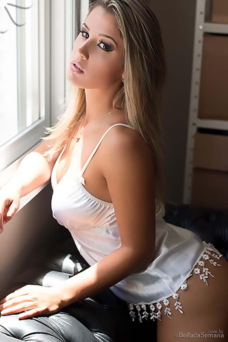 Fotos Loira linda maravilhosa de corpo perfeito nua