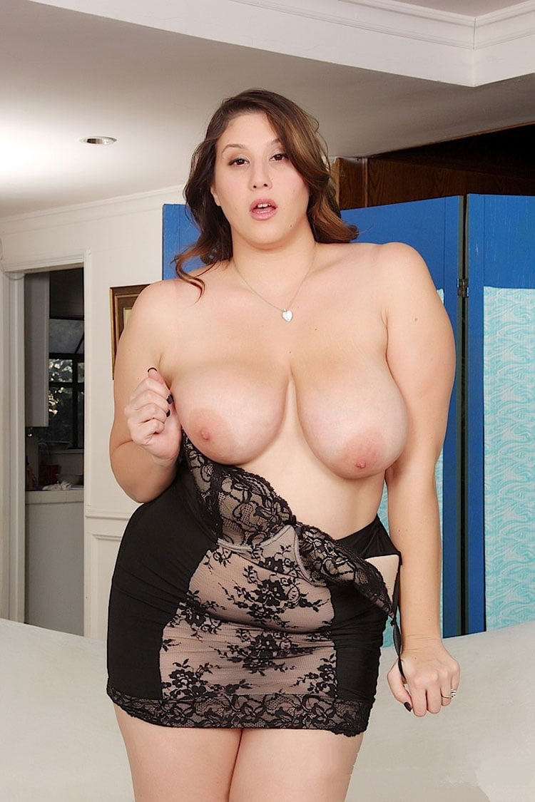 Mulher gorda nuas