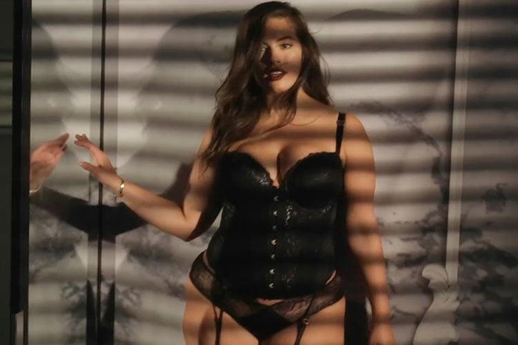 ashley graham fotos ousadas sensuais 032
