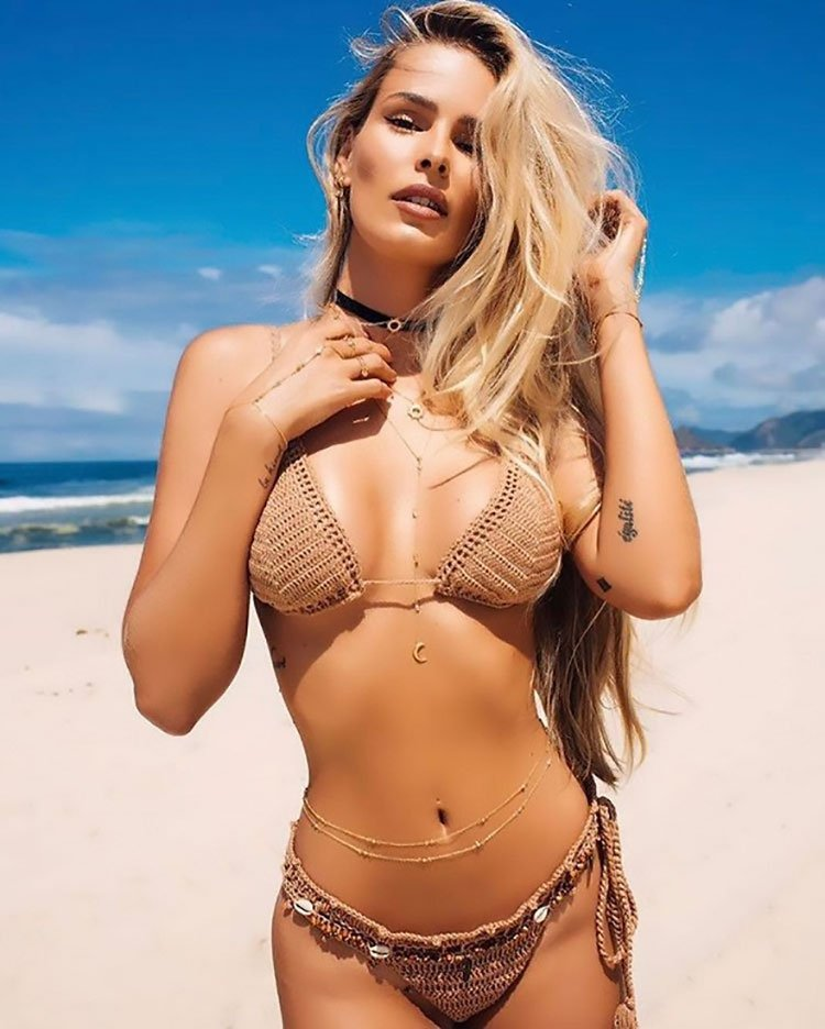 Fotos da Yasmin Brunet seminua e vídeo de sexo metendo gostoso