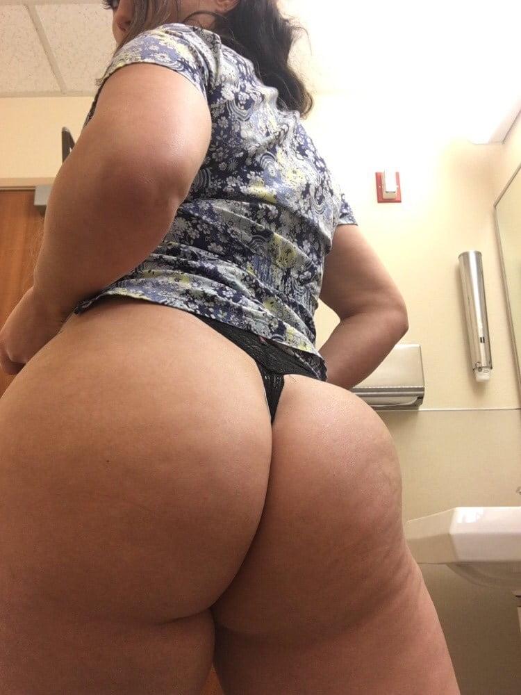 Enfermeira rabuda gostosa demais em fotos amadoras caseiras 007