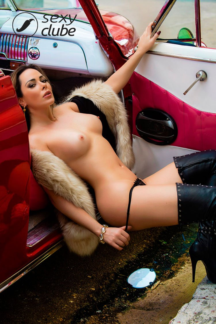 Juliana Isen pelada na Sexy Clube os dois ensaios exclusivos