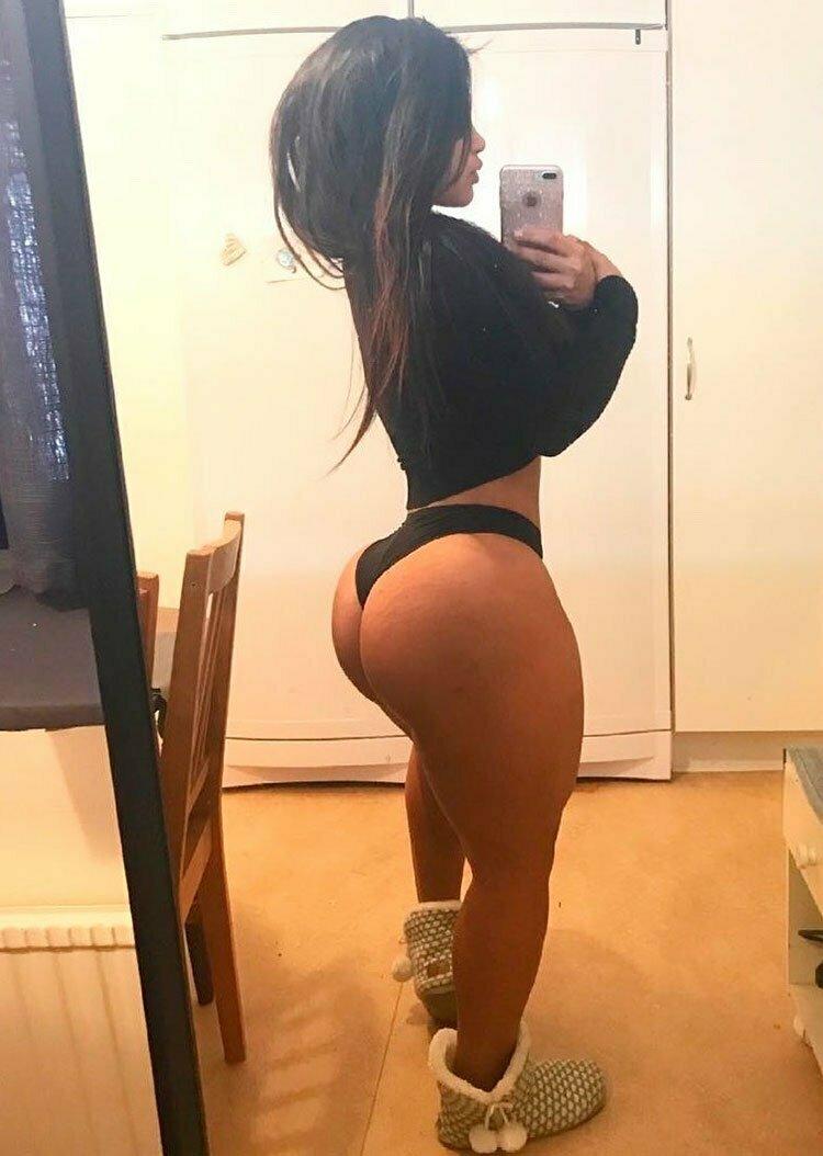 33 Selfies Sexy com mulheres gostosas rabudas 006