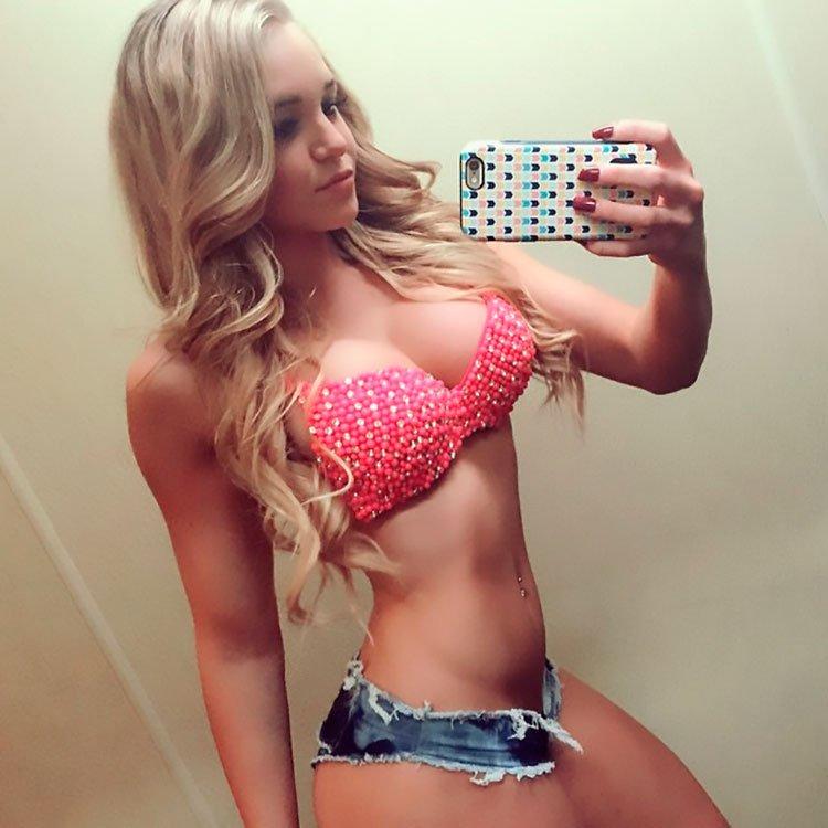 33 Selfies Sexy com mulheres gostosas rabudas 007