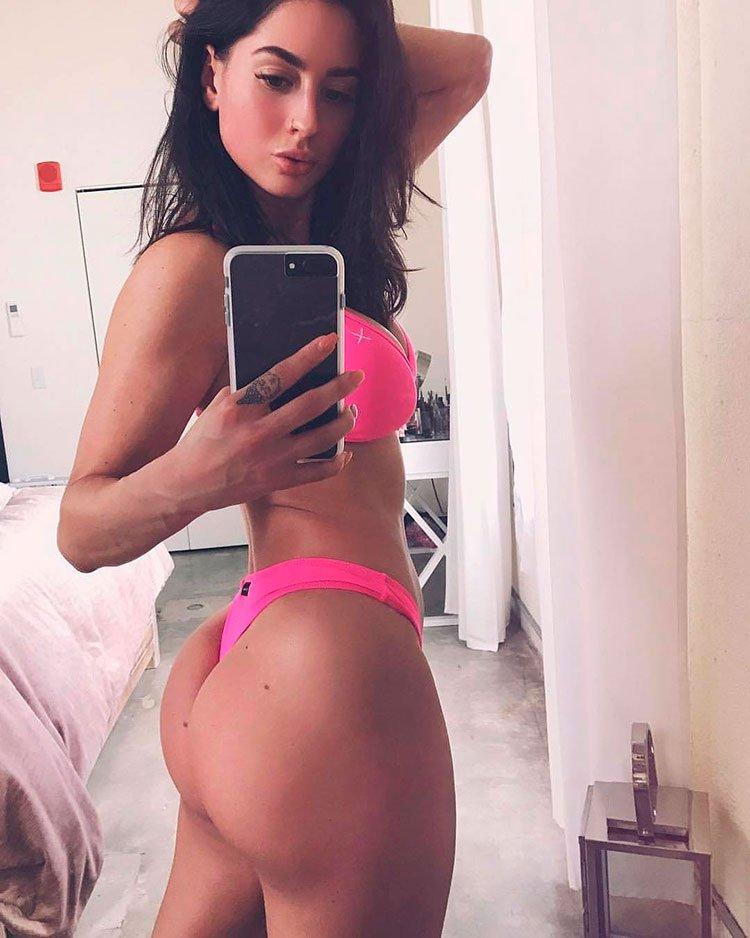 33 Selfies Sexy com mulheres gostosas rabudas 010