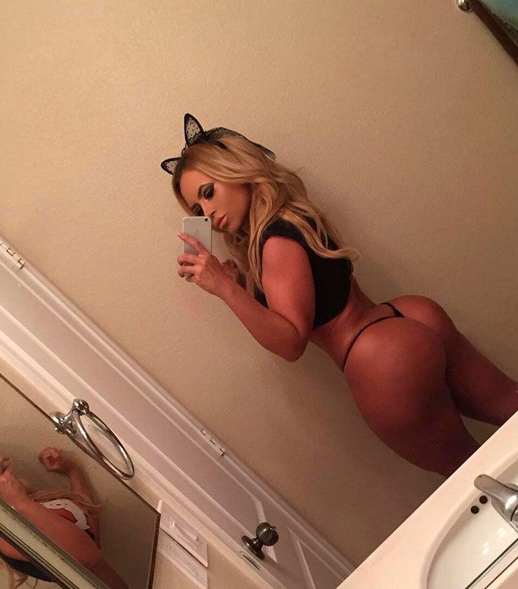 33 Selfies Sexy com mulheres gostosas rabudas 013