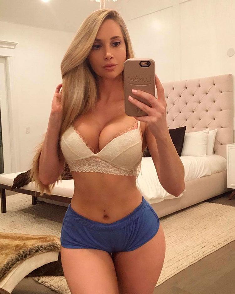 33 Selfies Sexy com mulheres gostosas rabudas 022