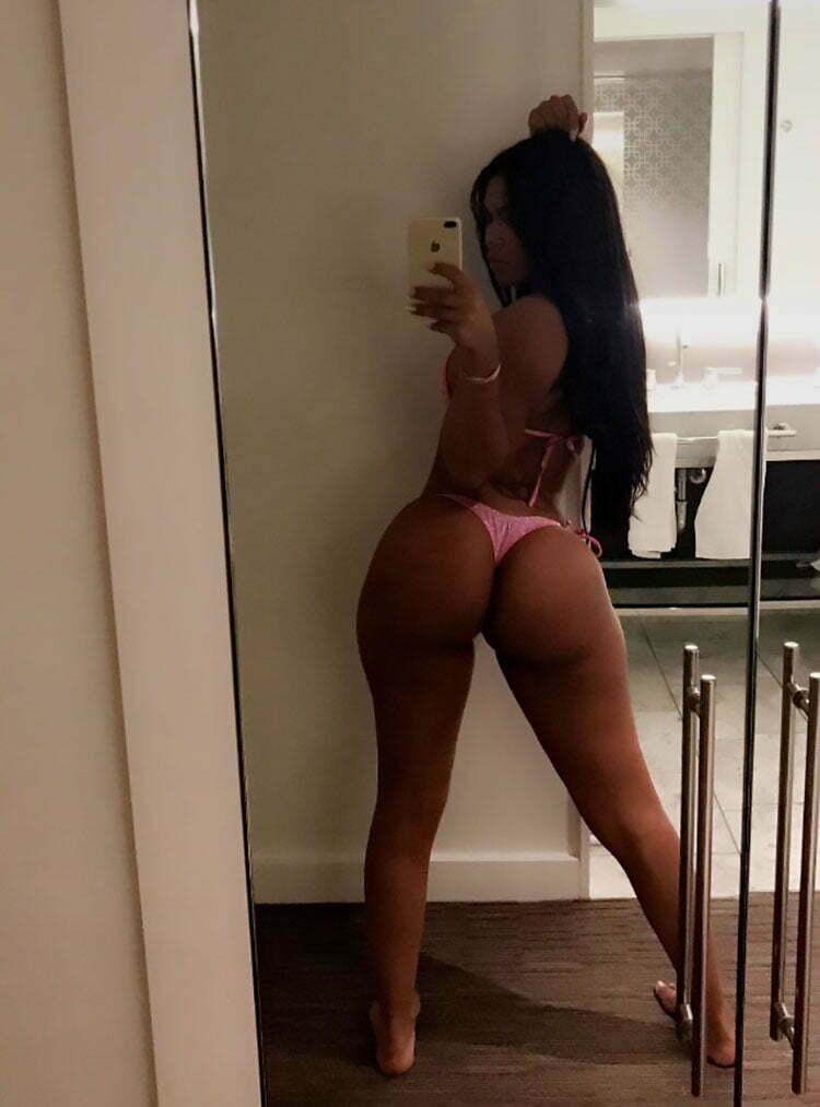 33 Selfies Sexy com mulheres gostosas rabudas 023