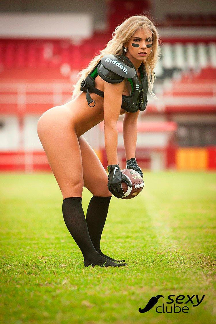 Fernanda Martinelli pelada musa do futebol americano nua 004