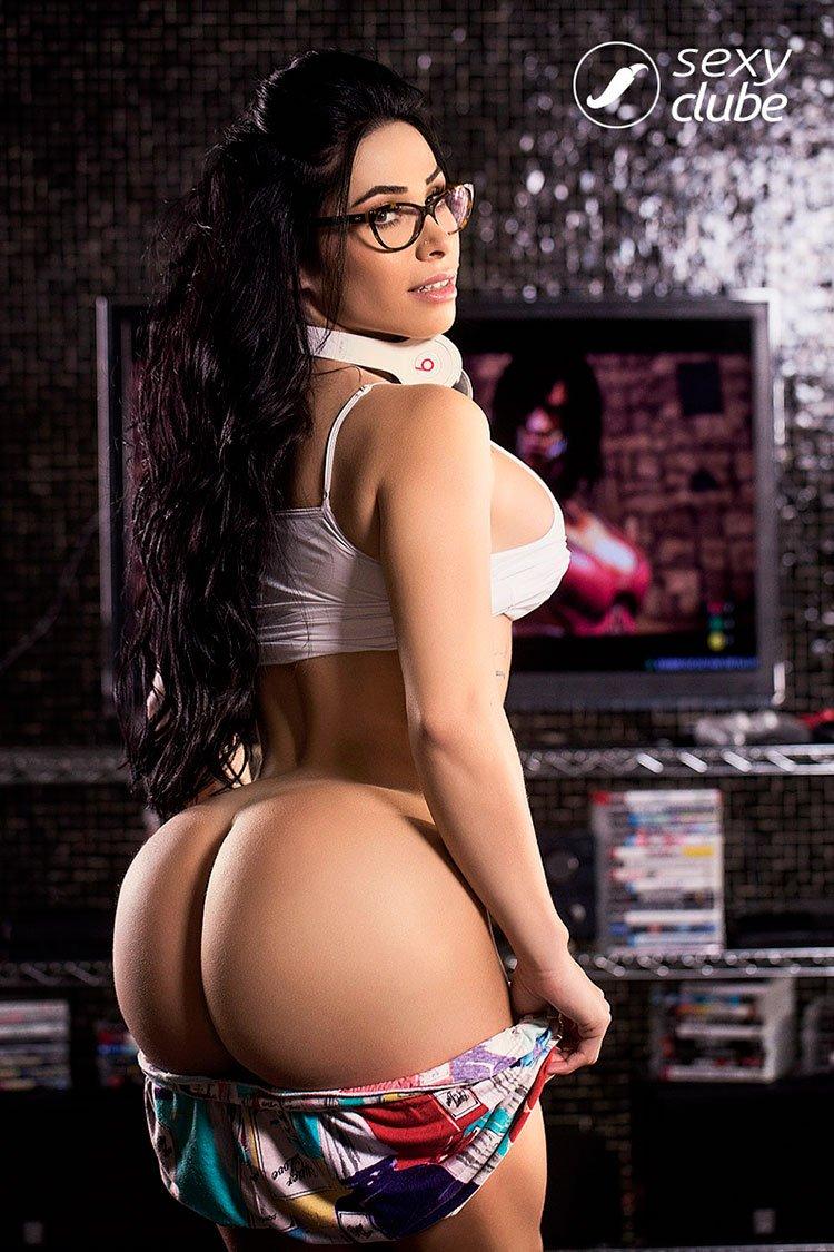 Gamer gostosa Sammantha Monteiro pelada nua Sexy Clube 002