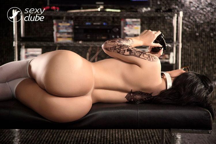 Gamer gostosa Sammantha Monteiro pelada nua Sexy Clube 011