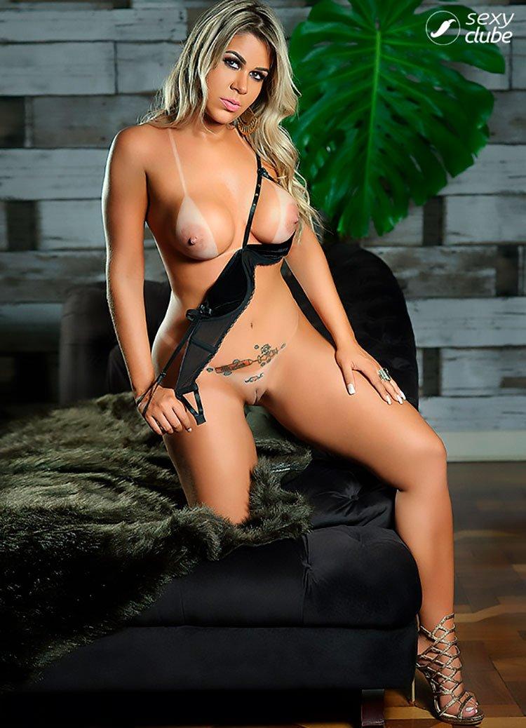Mari Lopes pelada musa do Flamengo nua na Sexy 013