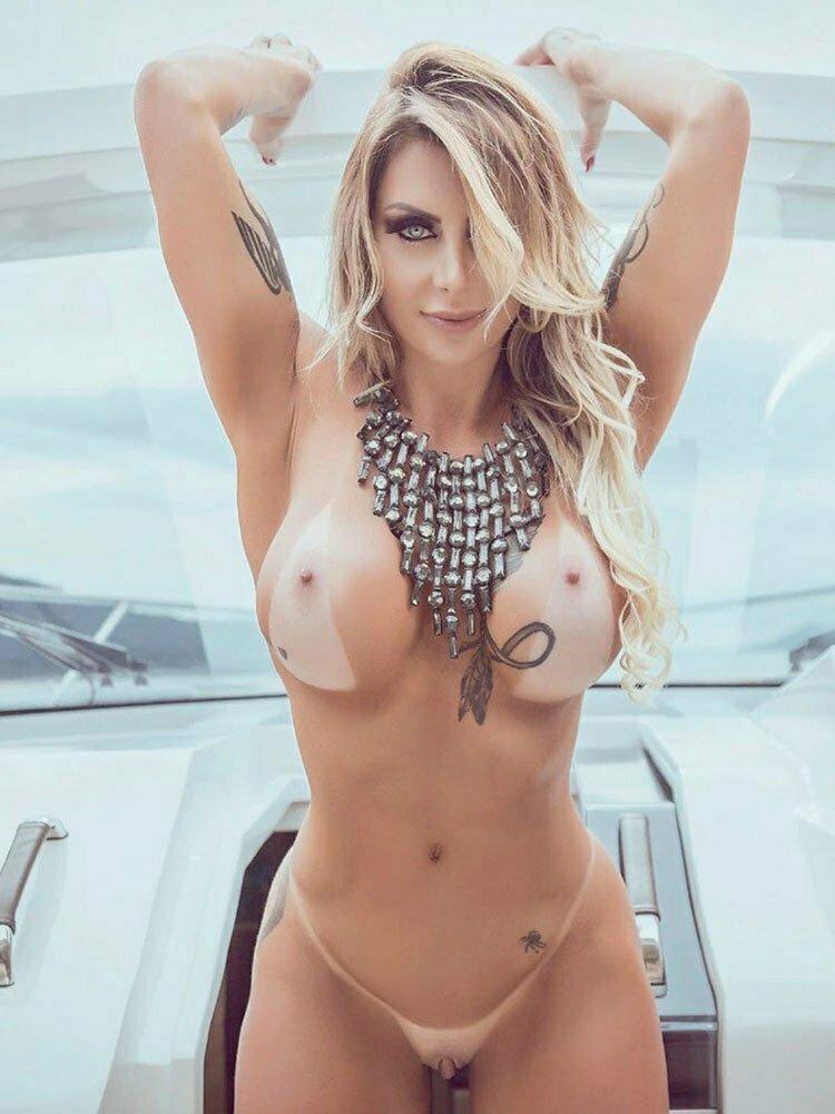 Luciane Hoepers pelada Musa Da Lava Jato nua na Sexy Clube