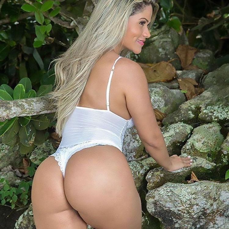 Natália Rios pelada na Diamond Brasil 010