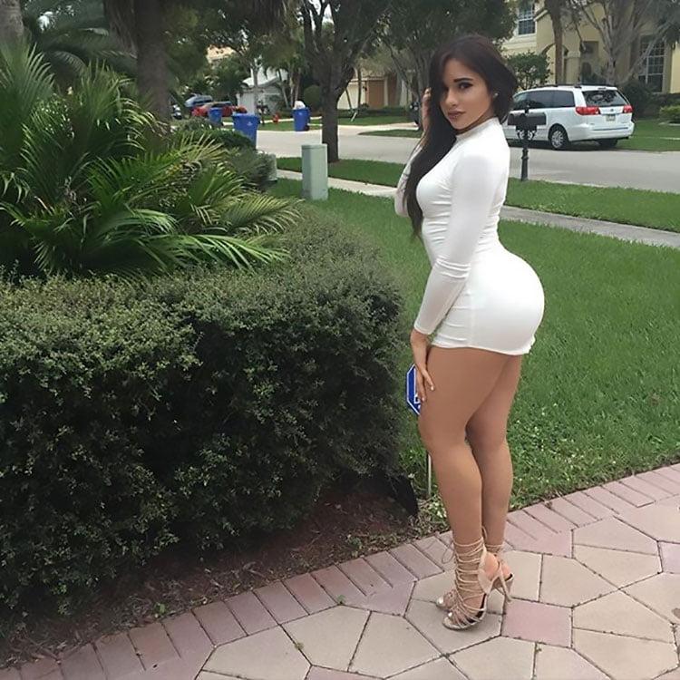 Novinha linda Ashley Ortiz em 16 fotos de vestidinho curto 009