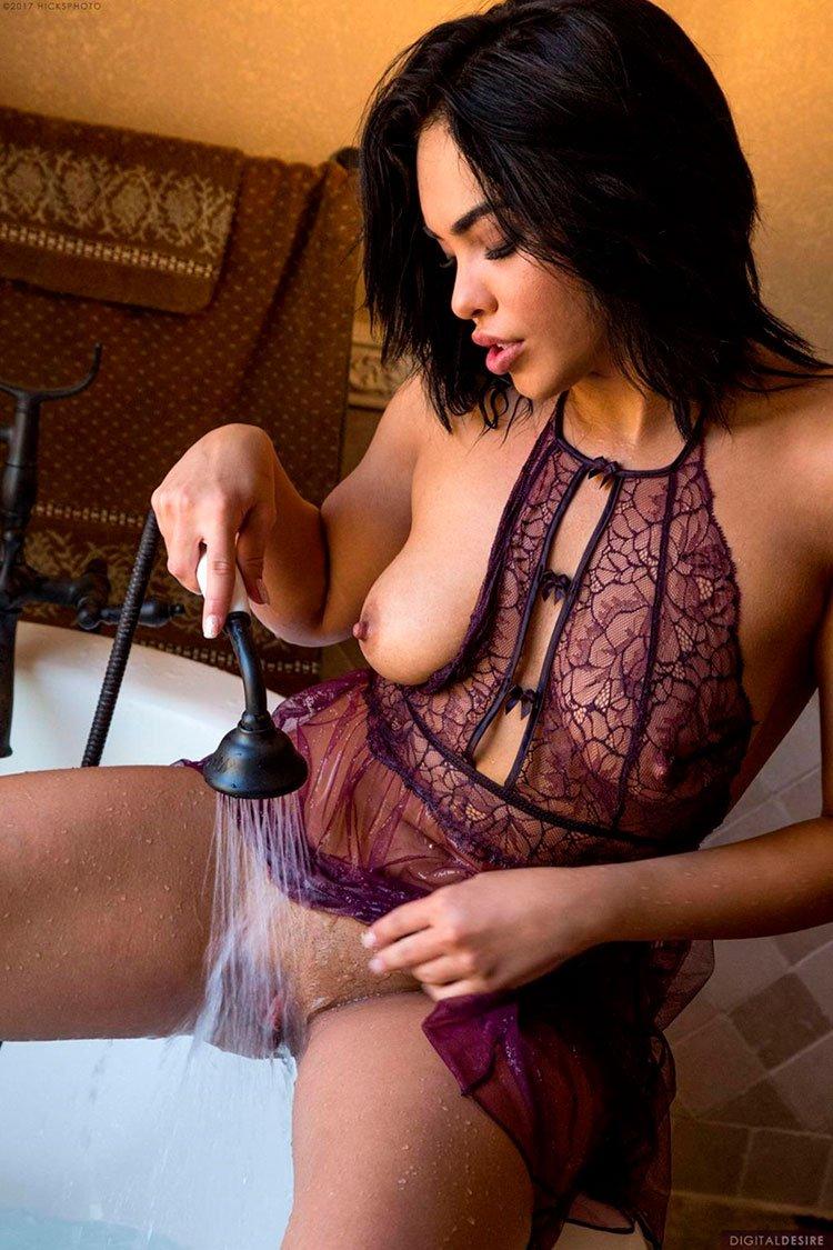 Selena Santana pelada latina gostosa da buceta greluda nua 003