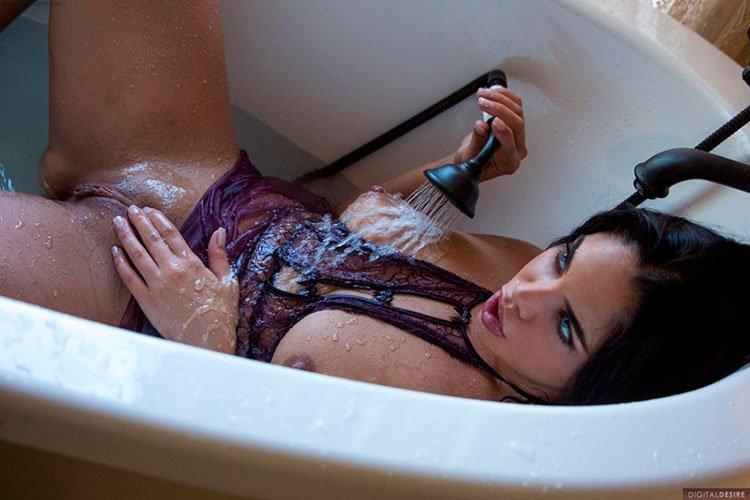 Selena Santana pelada latina gostosa da buceta greluda nua 009