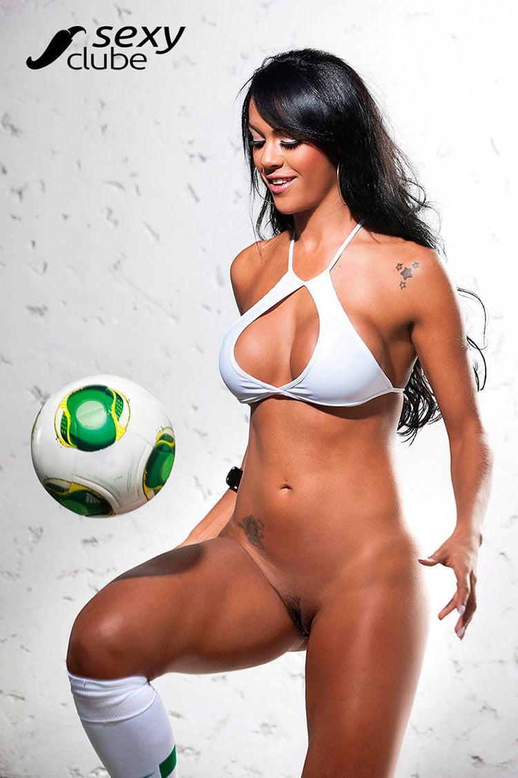 Aline Bernardes pelada Musa da Copa das Confederações nua 023