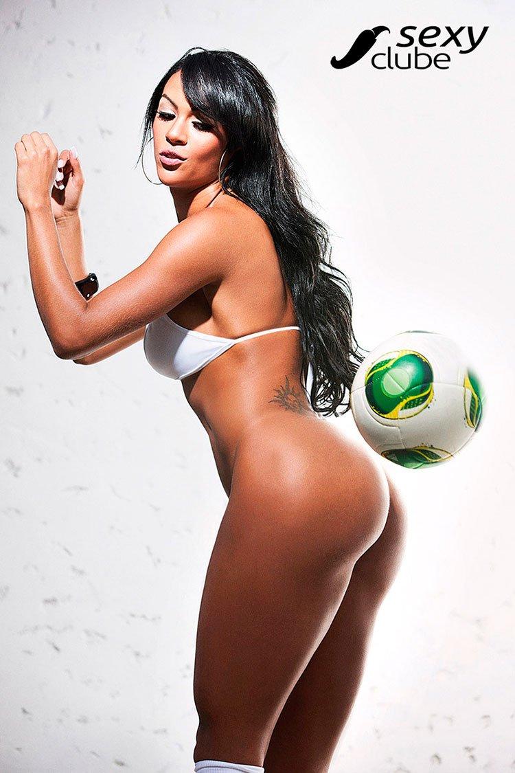 Aline Bernardes pelada Musa da Copa das Confederações nua 024