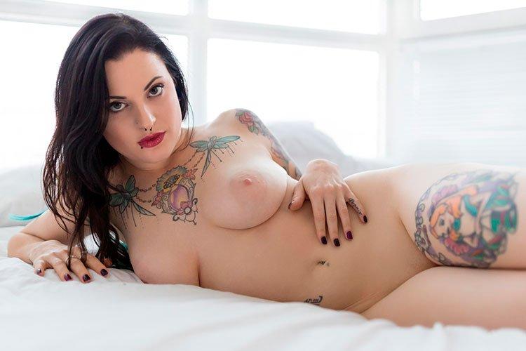 Novinhas gostosas tatuadas nuas peladinhas 006