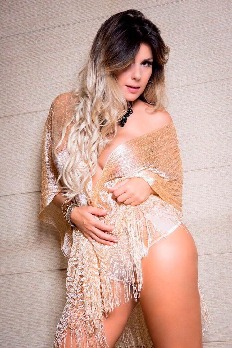 Vanessa Perez ex-bailarina do Faustão nua na Diamond Brazil 013