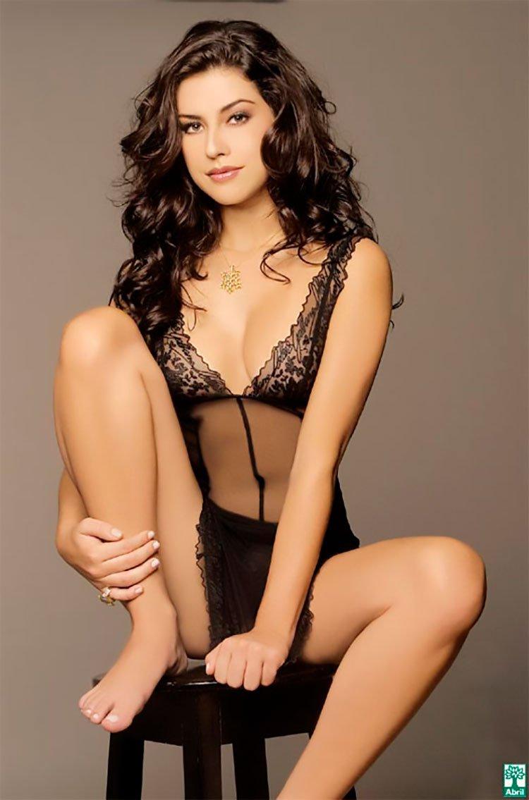 Fernanda Paes leme nua na Playboy mostrando sua buceta linda 002