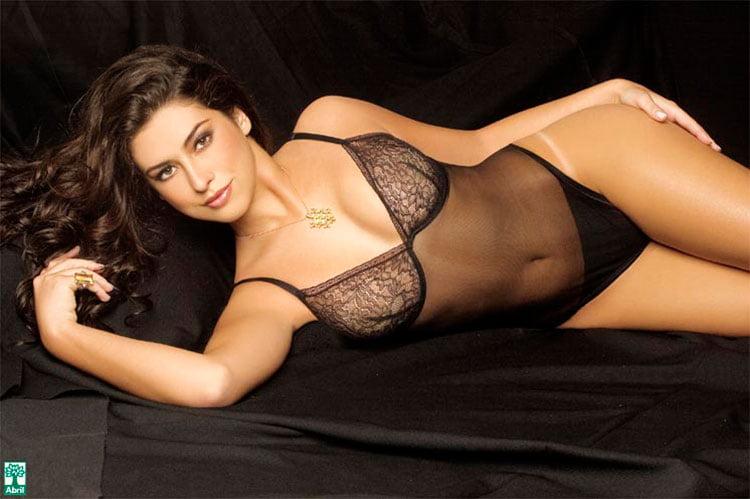 Fernanda Paes leme nua na Playboy mostrando sua buceta linda 003