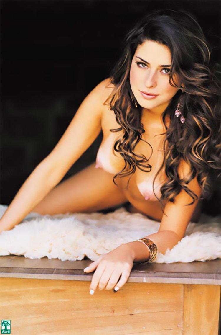 Fernanda Paes leme nua na Playboy mostrando sua buceta linda 005