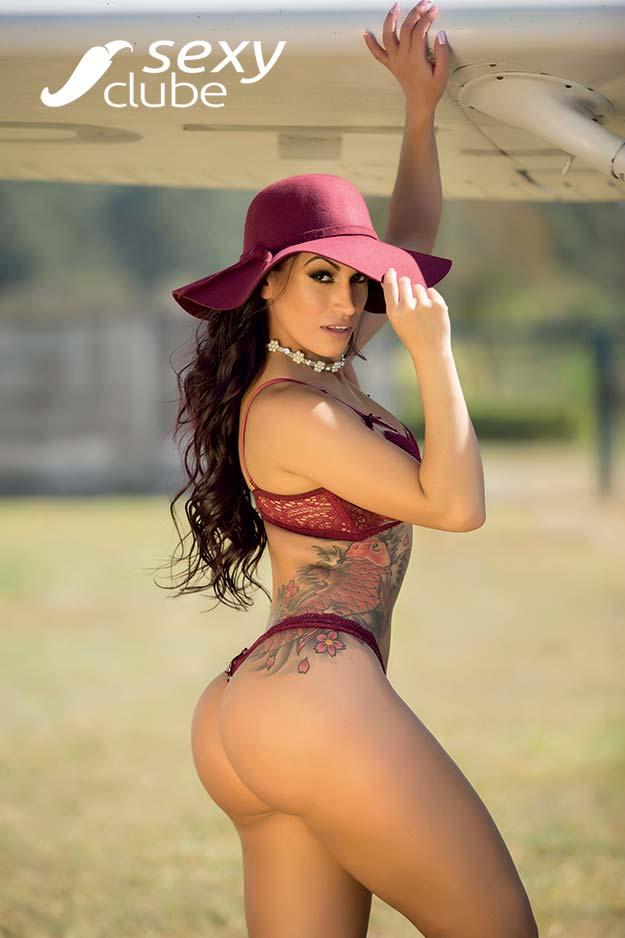 Miss Bumbum Débora Santos pelada na Sexy Clube 001