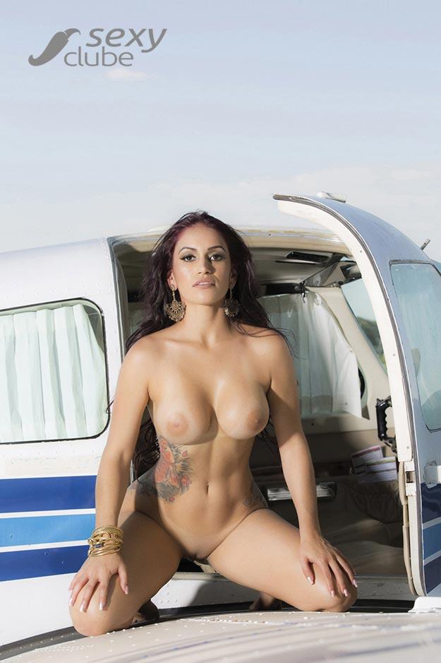 Miss Bumbum Débora Santos pelada na Sexy Clube 017