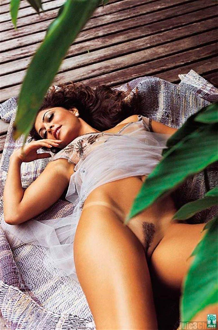 juliana Paes nua ( Bibi Perigosa) pelada na Playboy 012