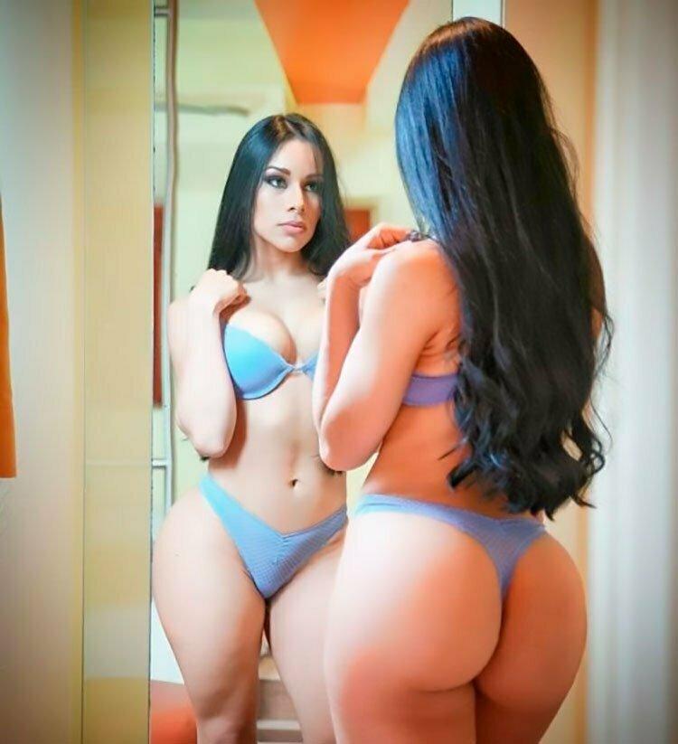 Mexicana rabuda Yuliett Torres seminua 001