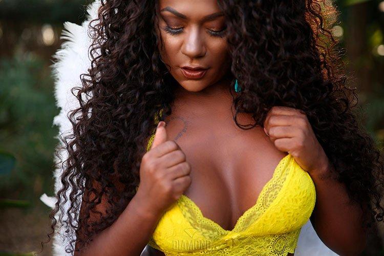 Negra Gostosa Kell Rosan nua na Diamond Brazil 001