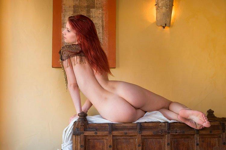 Novinha Ruiva magrinha muito linda e gostosa pelada 012