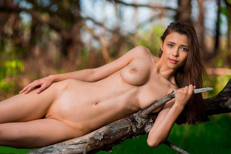 Novinha magrinha pelada 007