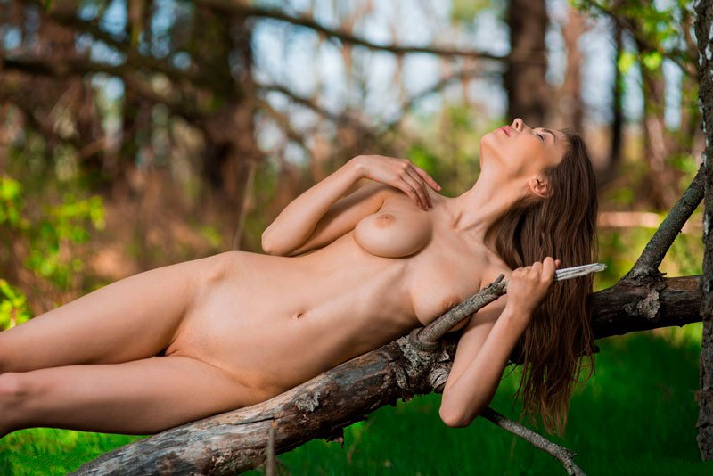 Novinha magrinha pelada 008