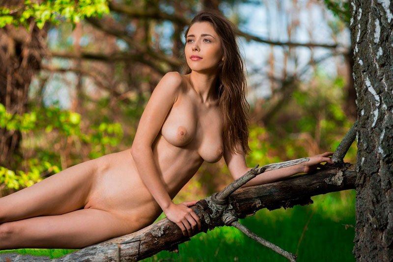 Novinha magrinha pelada 011