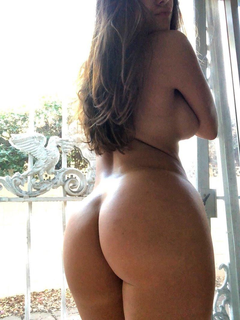 Novinha de 20 anos dando o cu pela primeira vez - 3 9