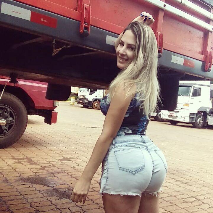 Aline Füchter musa dos caminhoneiros em fotos sensuais 08