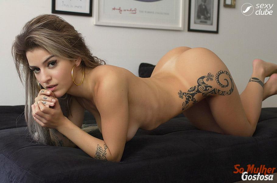 Bruna Hollinger nua pelada mostrando sua buceta 03