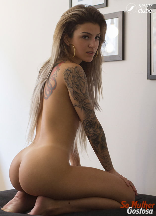Bruna Hollinger nua pelada mostrando sua buceta 04