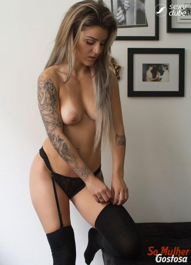 Bruna Hollinger nua pelada mostrando sua buceta 12