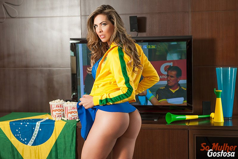 Gabi Cardoso nua pelada 01