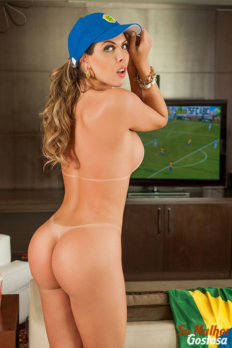 Gabi Cardoso nua pelada 20