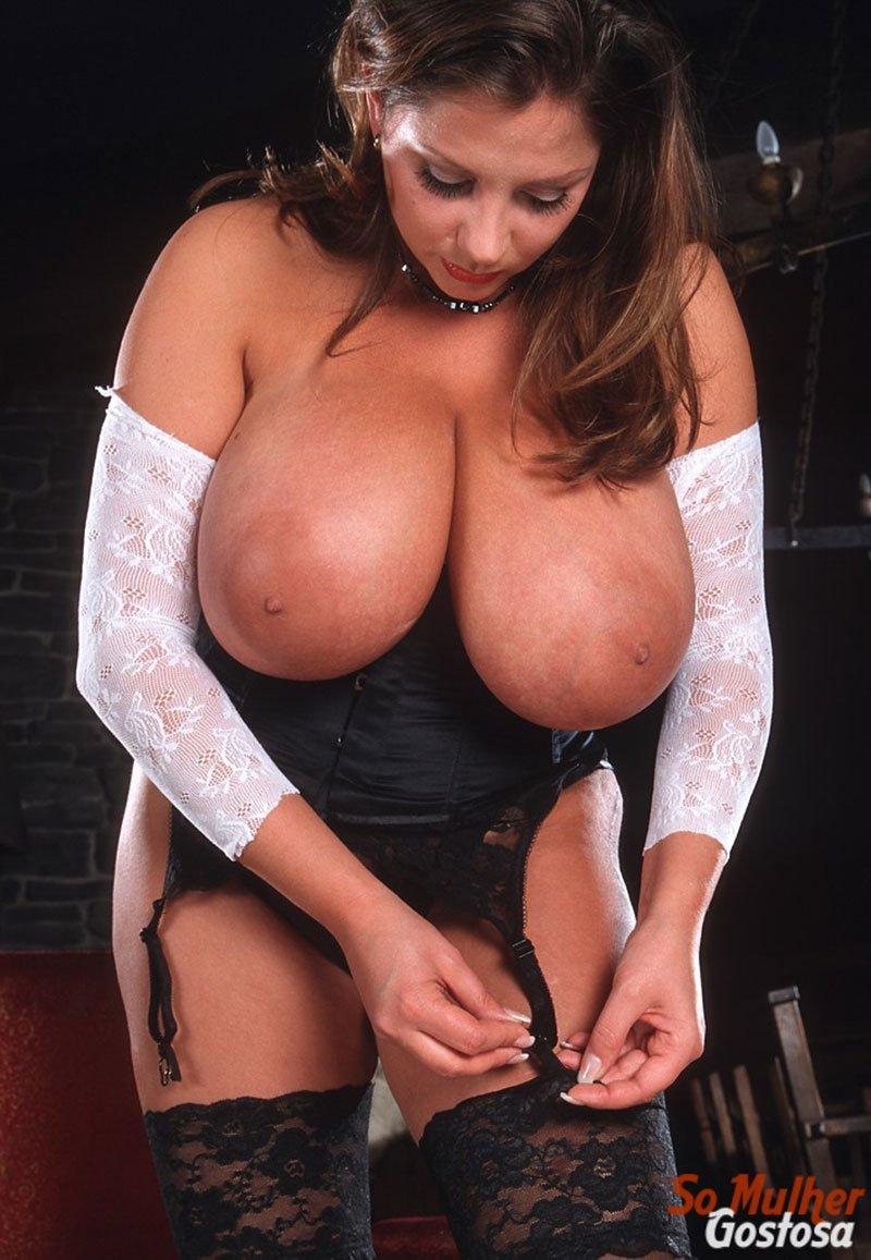 Nadine Jansen nua gordinha peituda da buceta cabeluda 07