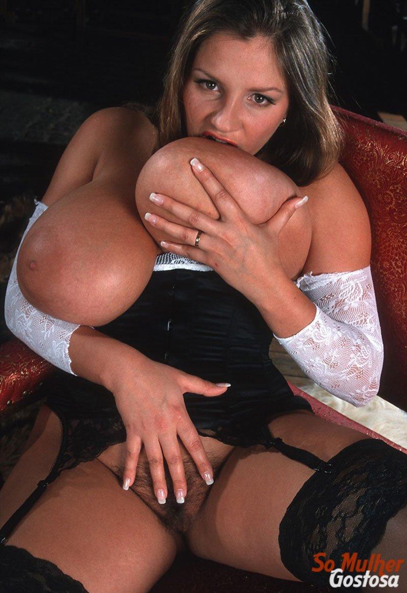 Nadine Jansen nua gordinha peituda da buceta cabeluda 13