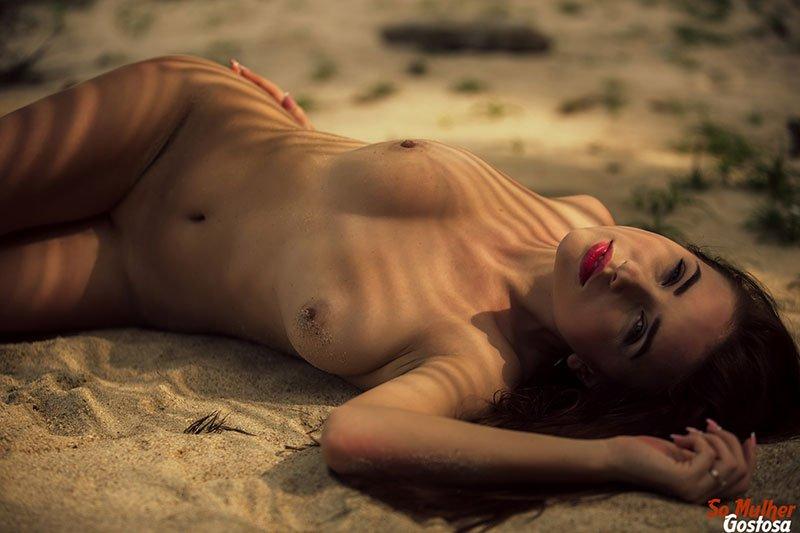 Niemira novinha muito gostosa nua pelada na praia 22